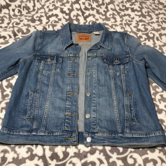 Levi's Jackets & Blazers - Women's XL Jean Jacket/ Light wash